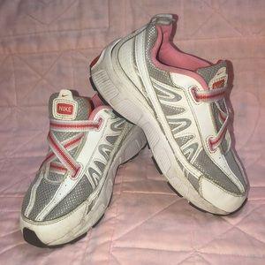 Nike shoes girls 1Y pink gray white orange